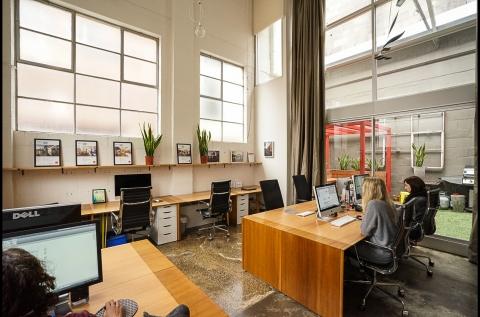 Flexible desk Arrangement